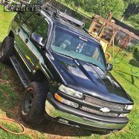 "2002 Chevrolet Tahoe - 15x8 -21mm - Dick Cepek Dc-2 - Suspension Lift 4"" - 33"" x 12.5"""