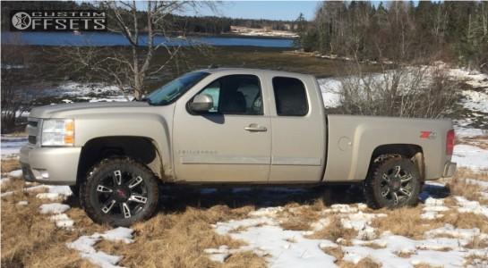 "2008 Chevrolet Silverado 1500 - 20x9 18mm - Worx Beast - Suspension Lift 3.5"" - 305/55R20"