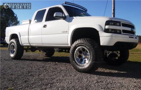 "2000 Chevrolet Silverado 1500 - 18x8 -30mm - Mickey Thompson Classic Lock - Suspension Lift 6"" - 37"" x 13.5"""
