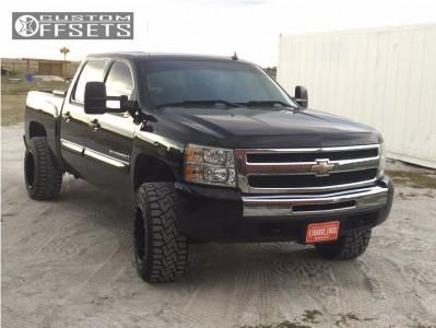 """2009 Chevrolet Silverado 1500 - 18x12 -44mm - Fuel Hostage - Suspension Lift 4"""" - 33"""" x 12.5"""""""