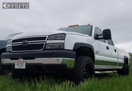 "2006 Chevrolet Silverado 3500 - 20x10 -19mm - Gear Off-Road Big Block - Leveling Kit - 33"" x 12.5"""