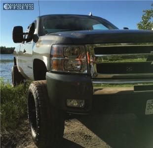 "2011 Chevrolet Silverado 1500 - 20x10 -24mm - Fuel Maverick D537 - Suspension Lift 7.5"" - 325/60R20"