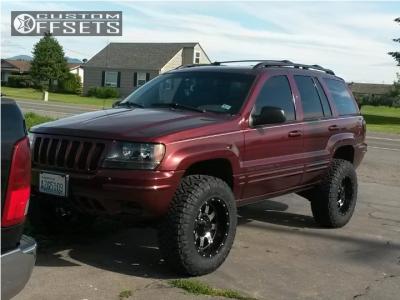 "2000 Jeep Grand Cherokee - 17x9 -12mm - Gear Off-Road Big Block - Suspension Lift 3"" - 265/75R17"