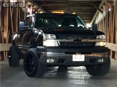 """2004 Chevrolet Silverado 2500 HD - 20x12 -44mm - Fuel Maverick - Level 2"""" Drop Rear - 305/50R20"""