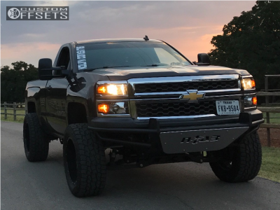 "2014 Chevrolet Silverado 1500 - 20x12 -44mm - Havok H109 - Suspension Lift 7.5"" - 305/55R20"