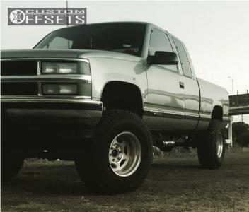 "1998 Chevrolet K1500 - 16.5x10 -22mm - Weld Racing Super Single - Suspension Lift 6.5"" - 35"" x 12.5"""