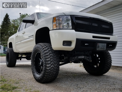 "2010 Chevrolet Silverado 1500 - 20x10 -12mm - Fuel Maverick - Lifted >12"" - 38"" x 15.5"""
