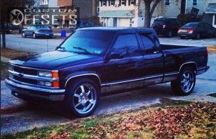 "1997 Chevrolet Silverado 1500 - 22x9.5 15mm - Gianelle Spezia - Level 2"" Drop Rear - 31"" x 11.5"""