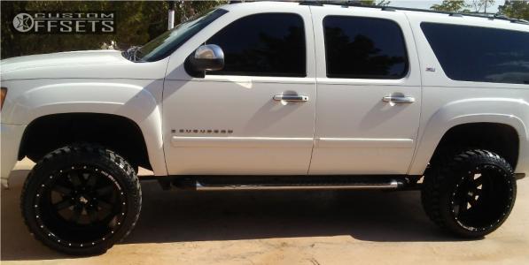 "2007 Chevrolet Suburban - 22x14 -76mm - Red Dirt Road Rd01 - Suspension Lift 4"" - 33"" x 12.5"""