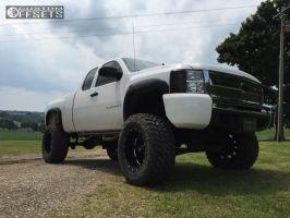"2008 Chevrolet Silverado 1500 - 20x12 -44mm - Moto Metal MO962 - Suspension Lift 8"" - 38"" x 15.5"""