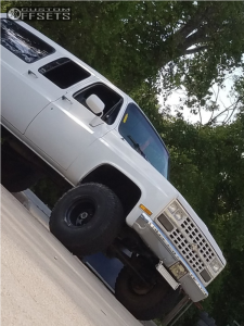 "1989 Chevrolet V1500 Suburban - 15x10 -45mm - Bart Super Trucker - Suspension Lift 4"" - 35"" x 12.5"""