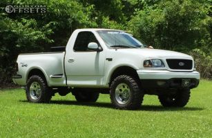 """2002 Ford F-150 - 17x9 -12mm - Pacer LT - Leveling Kit - 33"""" x 12.5"""""""