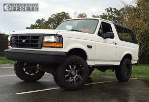 1994 Ford Bronco - 18x10 -24mm - Moto Metal Mo970 - Leveling Kit - 275/70R18