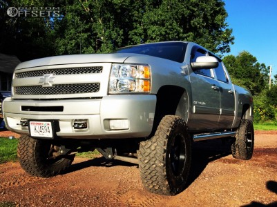 """2010 Chevrolet Silverado 1500 - 18x9 -12mm - Fuel Maverick D537 - Suspension Lift 6"""" - 35"""" x 12.5"""""""