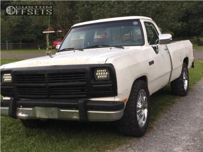 """1991 Dodge D250 - 20x9 -12mm - Fuel Hostage - Leveling Kit - 33"""" x 12.5"""""""