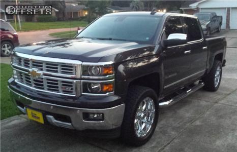 2015 Chevrolet Silverado 1500 - 20x9 -12mm - XD Badlands - Stock Suspension - 305/55R20