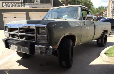 1991 Dodge D250 - 20x12 -44mm - Gear Off-Road 726b - Leveling Kit - 305/50R20
