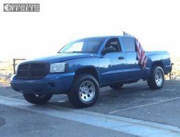 "2007 Dodge Dakota - 17x9 -6mm - Pro Comp Series 69 - Suspension Lift 3"" - 305/65R17"