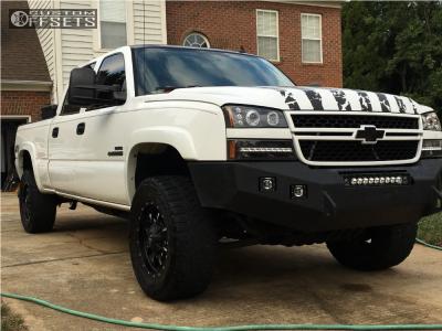 "2006 Chevrolet Silverado 2500 HD Classic - 18x9 0mm - Fuel Krank - Leveling Kit - 33"" x 12.5"""