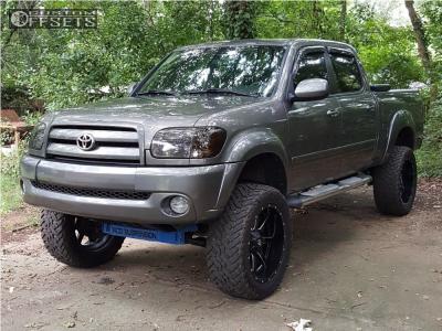 "2006 Toyota Tundra - 22x10 -24mm - Fuel Maverick - Suspension Lift 8.5"" - 35"" x 12.5"""