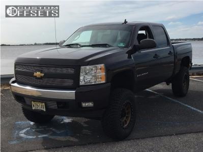 "2008 Chevrolet Silverado 1500 - 18x9 -12mm - Method NV - Suspension Lift 8"" - 35"" x 12.5"""