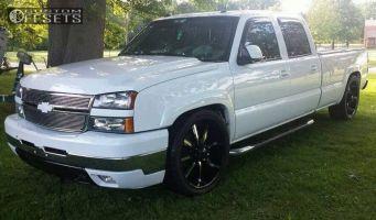2005 Chevrolet Silverado 2500 HD - 24x10 13mm - Dcenti Dw903 - Lowered 4F / 6R - 345/45R24
