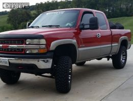"2002 Chevrolet Silverado 1500 - 17x9 -6mm - Pro Comp Series 01 - Suspension Lift 6"" - 35"" x 12.5"""