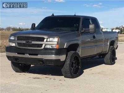 """2003 Chevrolet K2500 - 22x10 -24mm - Helo He879 - Level 2"""" Drop Rear - 305/40R22"""
