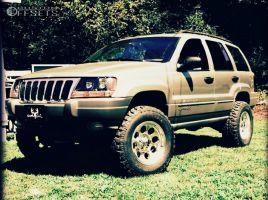 "2000 Jeep Grand Cherokee - 17x9 -12mm - Mickey Thompson Classic Iii - Suspension Lift 4"" - 265/70R17"