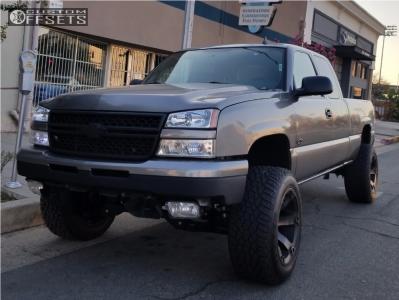 "2006 Chevrolet Silverado 1500 - 20x12 -44mm - Fuel Beast - Suspension Lift 6"" - 305/55R20"