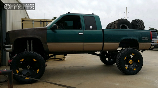 """1995 Chevrolet Silverado 1500 - 24x12 -44mm - Xd Xd775 - Lifted >12"""" - 40"""" x 15.5"""""""
