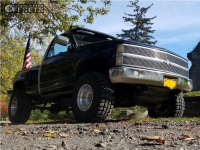 "1990 Chevrolet K1500 - 15x10 -38mm - American Racing Outlaw II - Body Lift 3"" - 33"" x 12.5"""