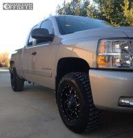 2007 Chevrolet Silverado 1500 - 17x9 -5mm - Fuel Krank - Leveling Kit - 265/70R17