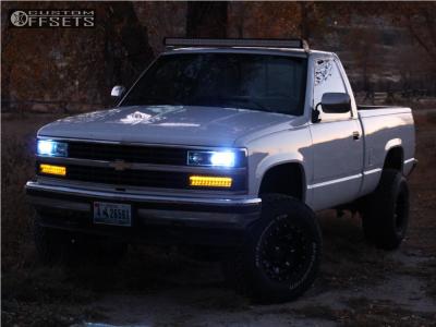 "1990 Chevrolet K1500 - 15x10 -43mm - Fuel Lethal - Suspension Lift 3"" - 33"" x 12.5"""