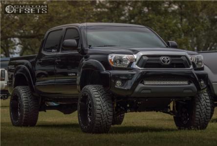 "2015 Toyota Tacoma - 20x12 -44mm - Hostile Sprocket - Suspension Lift 6"" - 295/55R20"