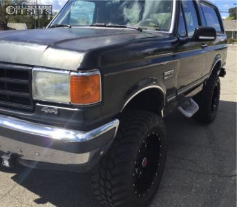 "1989 Ford Bronco - 20x10 -25mm - Ultra Hunter - Suspension Lift 6"" - 35"" x 12.5"""