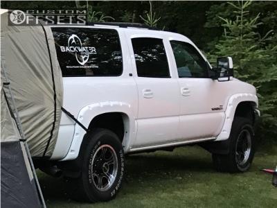 "2001 Chevrolet Suburban 2500 - 18x8.5 18mm - V-Tec Assassin - Suspension Lift 3"" - 275/70R18"