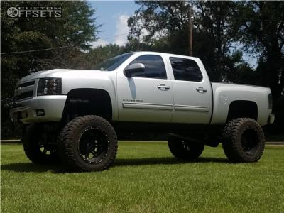 "2010 Chevrolet Silverado 1500 - 22x14 -76mm - Fuel Hostage - Lifted >12"" - 40"" x 15.5"""