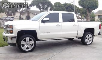 "2014 Chevrolet Silverado 1500 - 22x9 31mm - Oe Performance 147 - Suspension Lift 3.5"" - 305/55R22"