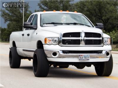 2005 Dodge Ram 2500 - 22x12 -43mm - Fuel Triton - Leveling Kit - 305/45R22