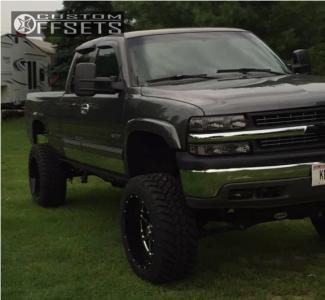 "2000 Chevrolet Silverado 2500 - 22x12 -44mm - Hostile Sprocket - Suspension Lift 6"" & Body 3"" - 35"" x 12.5"""