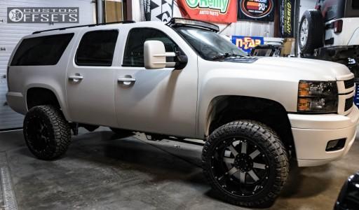 """2010 Chevrolet Suburban 2500 - 22x12 -44mm - Gear Off-Road Big Block - Suspension Lift 6"""" - 35"""" x 12.5"""""""