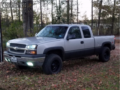 2004 Chevrolet Silverado 1500 - 17x9 -12mm - Gear Off-Road 726b - Leveling Kit - 285/70R17