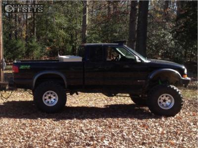 "1998 Chevrolet S10 - 15x10 -24mm - Eagle Alloy Series 058 - Suspension Lift 6"" - 37"" x 13.5"""