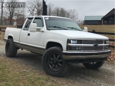 "1998 Chevrolet K1500 - 20x10 -24mm - Moto Metal Mo970 - Suspension Lift 3"" - 35"" x 12.5"""