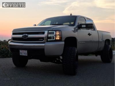 "2008 Chevrolet Silverado 1500 - 20x12 -44mm - XD Xd820 - Suspension Lift 5"" - 33"" x 12.5"""
