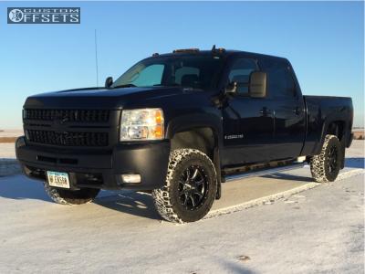 """2009 Chevrolet Silverado 2500 HD - 17x8 0mm - Moto Metal Mo970 - Level 2"""" Drop Rear - 285/70R17"""