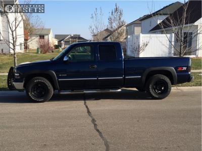 "1999 Chevrolet Silverado 1500 - 17x9 -12mm - Gear Off-Road Manifold - Stock Suspension - 31"" x 10.5"""