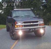 "1995 Chevrolet K1500 - 16x9 -12mm - Moto Metal Mo951 - Leveling Kit - 33"" x 11.5"""