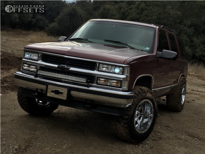 "1997 Chevrolet Tahoe - 18x12 -44mm - Fuel 536 - Suspension Lift 2.5"" - 33"" x 12.5"""